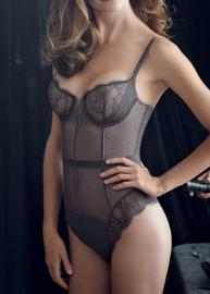 Velvet lingerie Simone Pérèle