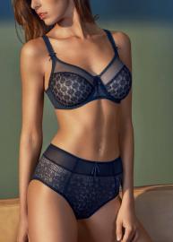 Nikki lingerie 380