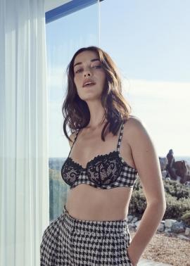 Ely lingerie